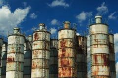 покинутое промышленное ржавое место стоковое изображение