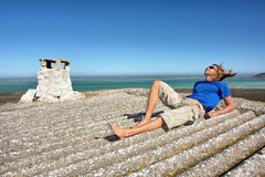 покинутые детеныши крыши человека дома Стоковое фото RF