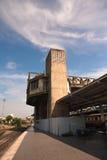Покинутые здания вдоль железной дороги Стоковая Фотография