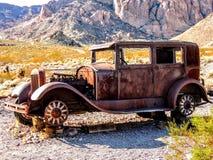 покинутый автомобиль стоковое изображение