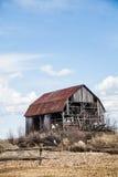 покинутый амбар старый Стоковые Фото