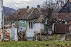 Покинутый дом в деревнях saxon от Трансильвании Стоковое Изображение RF