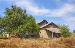покинутый деревенский дом Стоковые Фотографии RF