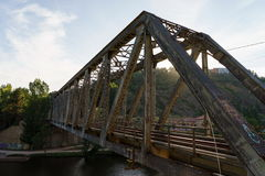 Покинутый железный мост стоковое фото rf