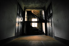 Покинутый интерьер промышленного здания Стоковое Изображение RF