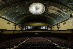 Покинутый и исторический театр для Shriners - Wilkes-Barre виска Irem, Пенсильвания стоковые фотографии rf