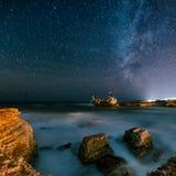 Покинутый корабль Edro III около пляжа Кипра на ноче Стоковые Фото