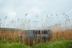 Покинутый минибус Стоковые Изображения