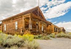 Покинутый дом в город-привидении добычи золота Bodie, Californ Стоковое Изображение RF