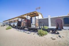 Покинутый поезд в Kolmanskop, Намибии Стоковые Изображения