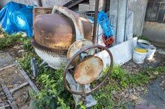 Покинутый пылевоздушный смеситель цемента стоковое фото