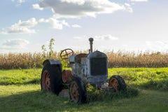 Покинутый старый трактор Стоковые Фото