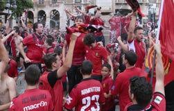 Поклонники футбола Мальорки празднуют после повышать к более высокому разделению Стоковые Фото