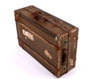 поколоченный старый чемодан Стоковые Фотографии RF