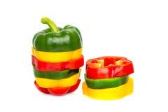 3 покрасили изолят специй паприки перца красного болгарского перца смешивания желтого зеленого цвета вегетарианский зрелый Стоковые Изображения RF