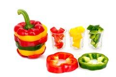 3 покрасили изолят специй паприки перца красного болгарского перца смешивания желтого зеленого цвета вегетарианский зрелый Стоковые Изображения