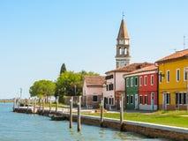 Покрасьте дома на острове Burano, Венеции, Италии Стоковое Фото
