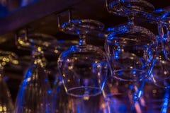 Покрасьте заплаты света на стеклах на ресторане Стоковое Изображение