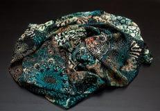 Покрасьте зеленое textil, silk ткань с pleats стоковая фотография rf