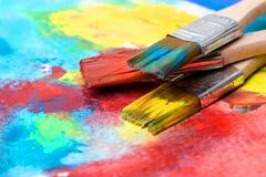 Покрасьте изображение на бумаге с щеткой Стоковые Изображения