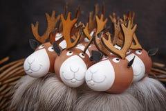 Покрашенная деревянная пачка северных оленей Celebratio предпосылки рождества Стоковые Фотографии RF