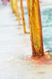 Покрашенная желтым цветом ржавая конструкция металла Стоковое фото RF