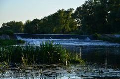 покрашенная иллюстрация руки сделала лето природы Водопад стоковая фотография rf