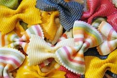 Покрашенная макарон предпосылка макаронных изделий Стоковое Фото
