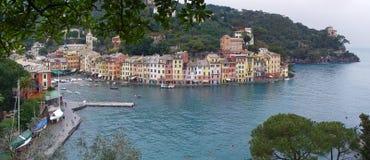 покрашенное море portofino домов стыковки Стоковое Изображение RF