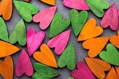 Покрашенное сердце на серой предпосылке Стоковое Фото