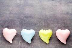 Покрашенное сердце на серой предпосылке Стоковое Изображение RF
