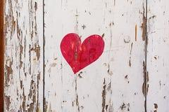 Покрашенное сердце на штарках в живописной деревне Mirabel Ardèche, Франции Стоковые Фото