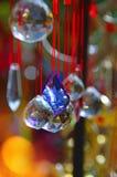 Покрашенное стекло, и перезвон ветра меди стоковое фото