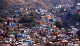покрашенное guanajuato расквартировывает много Мексику Стоковое фото RF