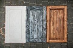 покрашенные деревянные двери от кухонных шкафов Стоковая Фотография RF