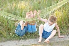 покрашенные дети предпосылки черные играть формы 3 Стоковая Фотография