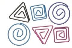покрашенные изолированные paperclips белые Стоковые Изображения RF
