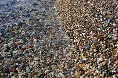 Покрашенные камешки на пляже стоковая фотография rf
