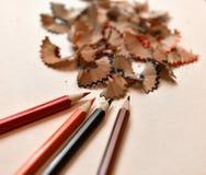 Покрашенные карандаши и shavings карандаша Стоковая Фотография RF