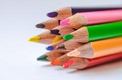 покрашенные карандаши на белой предпосылке Стоковые Фотографии RF