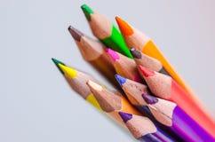 покрашенные карандаши на белой предпосылке Стоковое Изображение