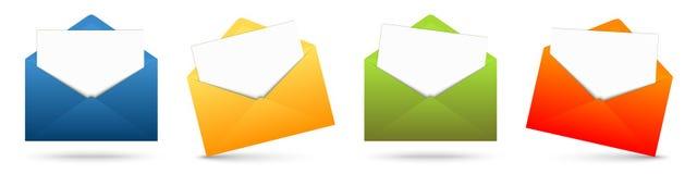 покрашенные конверты с белой бумагой Стоковая Фотография RF