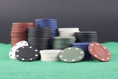 Покрашенные обломоки покера стоковое изображение rf