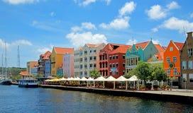 Покрашенные дома Curacao, голландца Антильских островов Стоковое фото RF