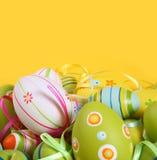 покрашенные пасхальные яйца пастельные Стоковое Изображение