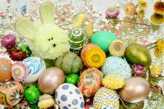 Покрашенные пасхальные яйца для пасхи Стоковые Изображения