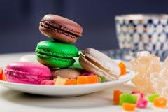 покрашенные печенья макарон вкусные Стоковое Изображение
