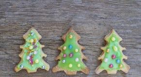 Покрашенные печенья рождественской елки Стоковое Изображение