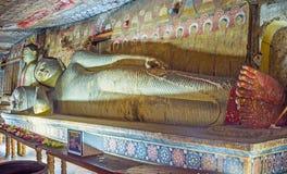 Покрашенные статуи виска Dambulla Стоковая Фотография