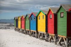 Покрашенные хаты в Muizenberg Кейптауне стоковое изображение